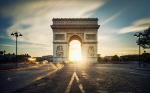Самолетна Екскурзия до Париж