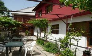 Почивка за <em>Двама</em> в Къща за Гости Кладенца, Иваново