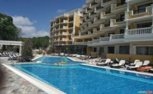 Лято 2019 на Първа Линия в Обзор, All Inclusive с Ранни Записвания до 05.07 в Хотел Марина Сандс