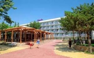 Ниски Цени All Inclusive Лято 2019 в Албена, до 08.07 с Чадър и Шезлонг на Плажа от Хотел Магнолия Стандарт