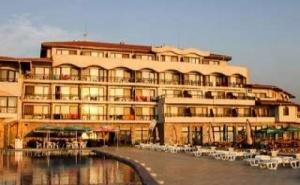 Мечтана Почивка на Къмпинг Юг, Супер Цени с Чадър и Шезлонг на Плажа След 25.08 в Хотел Морско Конче до <em>Лозенец</em>