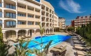 Луксозна Почивка Лято 2019 в Приморско, Полупансион до 09.07 в Топ Хотел Сиена Палас