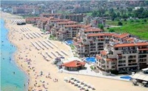 Семейна Почивка на Първа Линия през 2019-Та, Наем на Апартамент Море След 26.08 в Обзор Бийч Ризорт