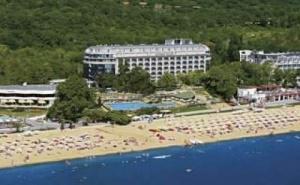 Лятна Почивка 2019 с Ранни Записвания, Ultra All Inclusive с Включен Плаж до 14.07 в Хотел Калиакра Палас, Зл. Пясъци