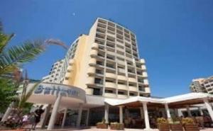 Лято 2019 с Чадър и Шезлонг на Плажа, All Inclusive Оферта до 04.07 в Хотел Белвю, Сл. Бряг