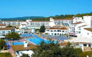 Лятна Почивка 2019 в Топ Курорта Дюни, Аll Inclusive с Аквапарк След 11.09 в Хотел Пеликан