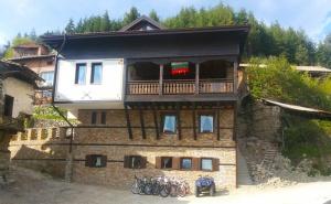Гергьовден в Родопите - в Историческото Село Гостун. 2 или 3 Нощувки със Закуски в Къща Стара Македония!