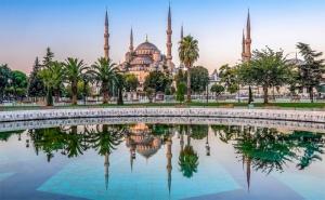 Уикенд в Истанбул, Турция! Транспорт + 2 Нощувки със Закуски в Хотел No Name 2/3* и Посещение на Чорлу с Абв Травелс!