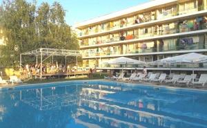 ТОП сезон в <em>Кранево</em>! Нощувка на човек със или без изхранване + басейн от хотел Феста