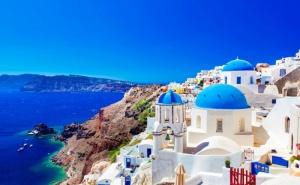 Екскурзия до о. Санторини и Атина! Транспорт + 4 Нощувки на човек със Закуски