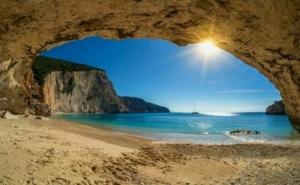 Почивка на Лазурният Остров <em>Лефкада</em>  Гърция. Транспорт, 5 Нощувки на човек със Закуски и Вечери от Та България Травъл