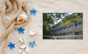 Лято в <em>Китен</em>! 6, 7 или 8 Нощувки на човек със Закуски, Обеди и Вечери в Почивна База Глобуса