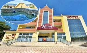 Делник в Хотел Холидей**** <em>Велинград</em>! Нощувка за Двама със Закуска + Спа Пакет и Минерален Басейн Като 2 Деца до 12Г. - Безплатно