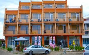 Цяло Лято в <em>Равда</em>! Нощувка със Закуска и Вечеря в Хотел Германа Бийч, на 40М., от Плажа!