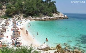 Слънчев Уикенд в Перлата на Егейско Море – <em>Кавала</em>! на Плаж в Амолофи и Неа Ираклица