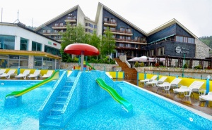 Лято 2019Г. във Велинград! Нощувка със Закуска, Обяд и Вечеря + Аквапарк, Басейни и Релакс Зона в Хотел Селект!