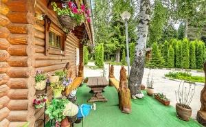 Майски Празници в Планината! Наем на Самостоятелна Вила с/без Сауна за до 4-Ма във Вилно Селище Ягода, <em>Боровец</em>! Възможност за Изхранване!