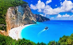 Last Minute за 5-Дневна Автобусна Екскурзия до о-в <em>Лефкада</em> през Май! 3 Нощувки със Закуски в Хотел 2/3* + Посещение на Плажът Агиос Йоанис с Далла Турс!