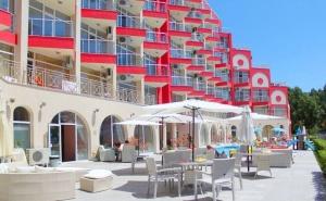 Късно Лято в Слънчев Бряг! Нощувка на човек + Басейн в Апарт Хотел Роуз Гардън