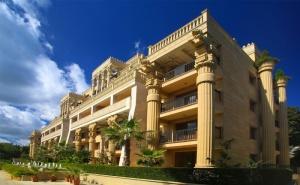 Нощувка на човек на База All Inclusive + Басейн, Шезлонг и Чадър на Плажа от Хотел Аргищ Палас***, <em>Златни Пясъци</em>. Дете до 12Г - Безплатно!