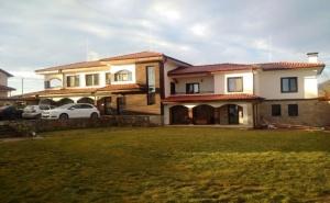 Нощувка за 12 Човека + Трапезария и Барбекю с Пещ в Къща Върбен Край <em>Пловдив</em> - с. Върбен