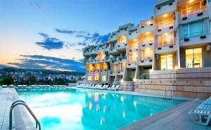 Почивка в Сандански през Юни. Нощувка със Закуска и Вечеря* за Двама или Трима + Басейн в Хотел Панорама!