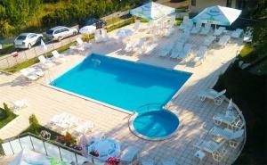 Цяло Лято в <em>Царево</em>! Нощувка със Закуска и Вечеря + Басейн в Хотел Марая!