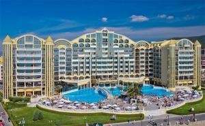 Цяло Лято на Първа Линия в <em>Слънчев бряг</em>! All Inclusive + Басейн в Хотел Виктория Палас 5*!
