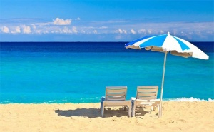 На Море в Созопол! Нощувка със Закуска, Обяд* и Вечеря* + Напитки и Басейн в Семеен Хотел Слънце!