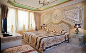Хотел Златна Перла - Слънчев Бряг е Малък Бутиков Хотел и е само на 50 Метра от Плажа. Пълен Релакс на Морето за 1 Нощувка със Закуска / 01.07.2019 - 31.08.2019