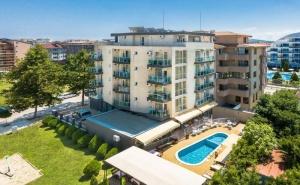 3+ нощувки на база All inclusive light + басейн в хотел Свети Димитър, Приморско