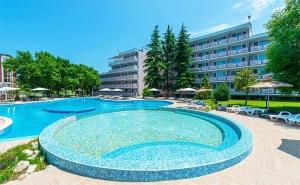 Цяло Лято в Приморско! All Inclusive + Басейни в Реновирания Хотел Белица!