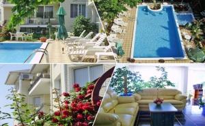 Лято до <em>Албена</em>! Нощувка на човек със Закуска + Басейн в Хотелски Комплекс Рай***, с. Оброчище