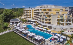 Лято 2020 на Първа Линия в Обзор, All Inclusive от 08.09 с Безплатен Плаж в Хотел Марина Сандс