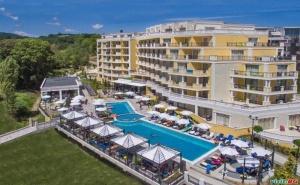 Лято 2021 на Първа Линия в Обзор, All Inclusive с Плаж до 18.08 в Хотел Марина Сандс