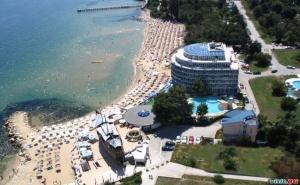 Лятна Почивка 2020 на Първа Линия в Св. Константин и Елена, All Inclusive на човек до 04.07 в Сириус Бийч