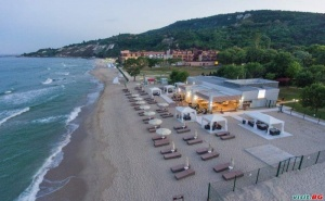 All Inclusive с Чадър и Шезлонг на Плажа от 02.07 до 21.08 в Хотел Ефект Алгара Бийч, Кранево