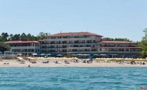 След 23.08 със Закуска, Чадър и Шезлонг на Плажа на Къмпинг Юг в Хотел Морско Конче