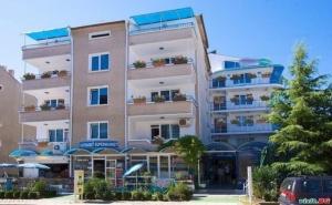 Лятна Почивка 2020 до Плажа в Равда, All Inclusive Light, Бийч Бар и Чадър на Плажа до 14.07 от Семеен Хотел Елвира