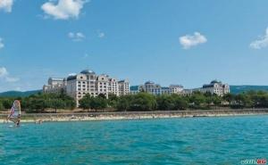 Първа Линия Топ Хотел с Чадър и Шезлонг на Плажа, All Inclusive от 01.09 от Риу Хелиос Парадайз, Свети Влас