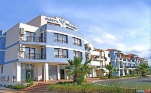 Лятна Ваканция 2020 в Черноморец, Цена на човек След 30.08 със Закуски и Вечери от Хотел Коста Булгара