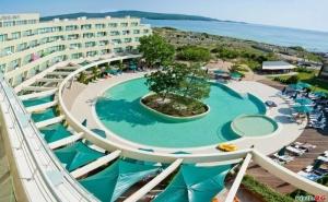 Лятна Почивка до Северния Плаж в Приморско, All Inclusive до 03.07 и След  29.08 в Хотел Жерави