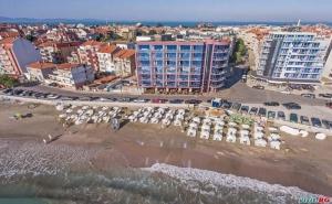 Първа Линия на Море Лято 2019, All Inclusive След 28.08 в Хотел Съни Бей, <em>Поморие</em>