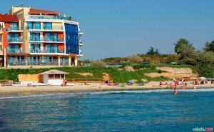 През Септември на Море, 7 Нощувки Полупансион от Хотел Бижу, Равда