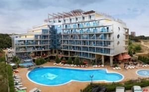 На Първа Линия Лято 2020 до Плаж Атлиман, 5 Дни All Inclusive до 03.07 и След 23.08 в Хотел Каменец