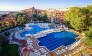 Грифид Лято 2020 с Аквапарк, 24 Часа Ultra All Inclusive с Включен Плаж Цена на човек до 02.07 в Хотел Грифид Болеро, Зл. Пясъци