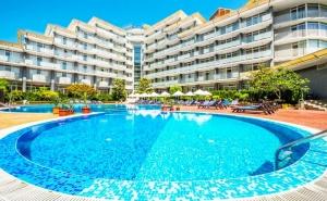3 или 5 нощувка на човек на база All Inclusive + басейн в Хотел Перла***, Слънчев Бряг