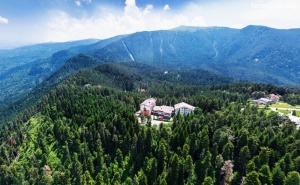 Делник в Паничище! Нощувка на човек със Закуска и Вечеря + Релакс Зона в Хотел Планински Езера