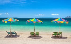 Август на Море в <em>Китен</em>. Нощувка със Закуска* и Вечеря* в Хотел Албатрос, на 100М. от Плажа!