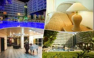 Късно Лято в Слънчев Бряг 31.08-12.09! 3 или 5 Нощувки на човек, на База All Inclusive + Басейн на 80 М. от Плажа в Гранд Хотел Оазис